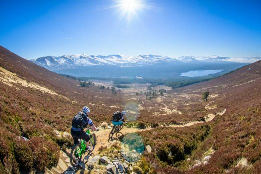 Thrilling descent on our mountain bike tour Cairngorms