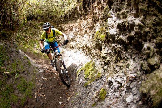 Technical descending on our mountain bike tour Ecuador