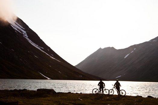 Lakeside riding on our mountain bike tour Yukon