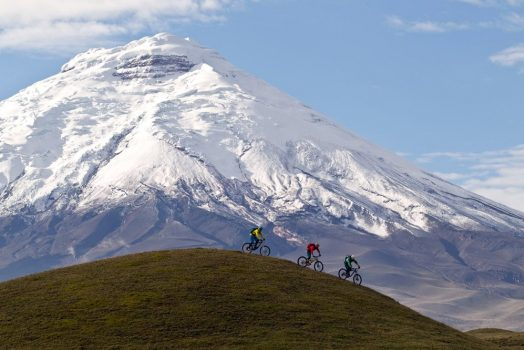 Our mountain bike tour in Ecuador offers great singletrack and monumental backdrops