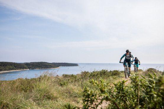 Mountain bikers in Istria, mountain bike tour Croatia