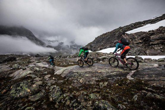 Mountain bike tour Norway - rocky descending