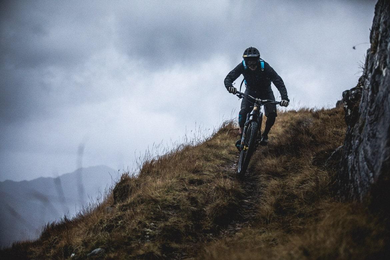 Joe Barnes rides his Canyon Spectral down a Scottish mountain.
