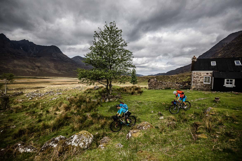 Bikerafting adventure in Scotland, female mountain bikers