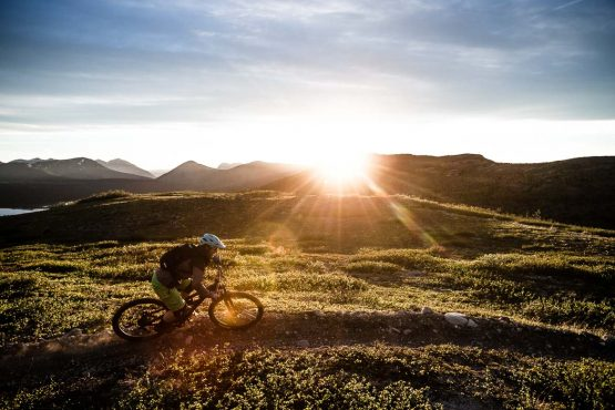 Mountain bike tour Yukon giving up some epic evening rides