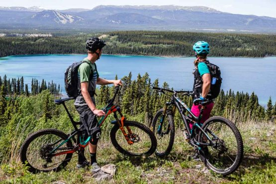 Perfect mountain views on our mountain bike tour Yukon