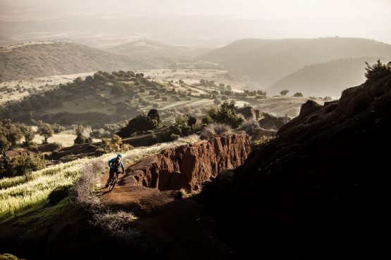 Eric Porter rides fast and treacherous singletrack on our MTB tour Morocco