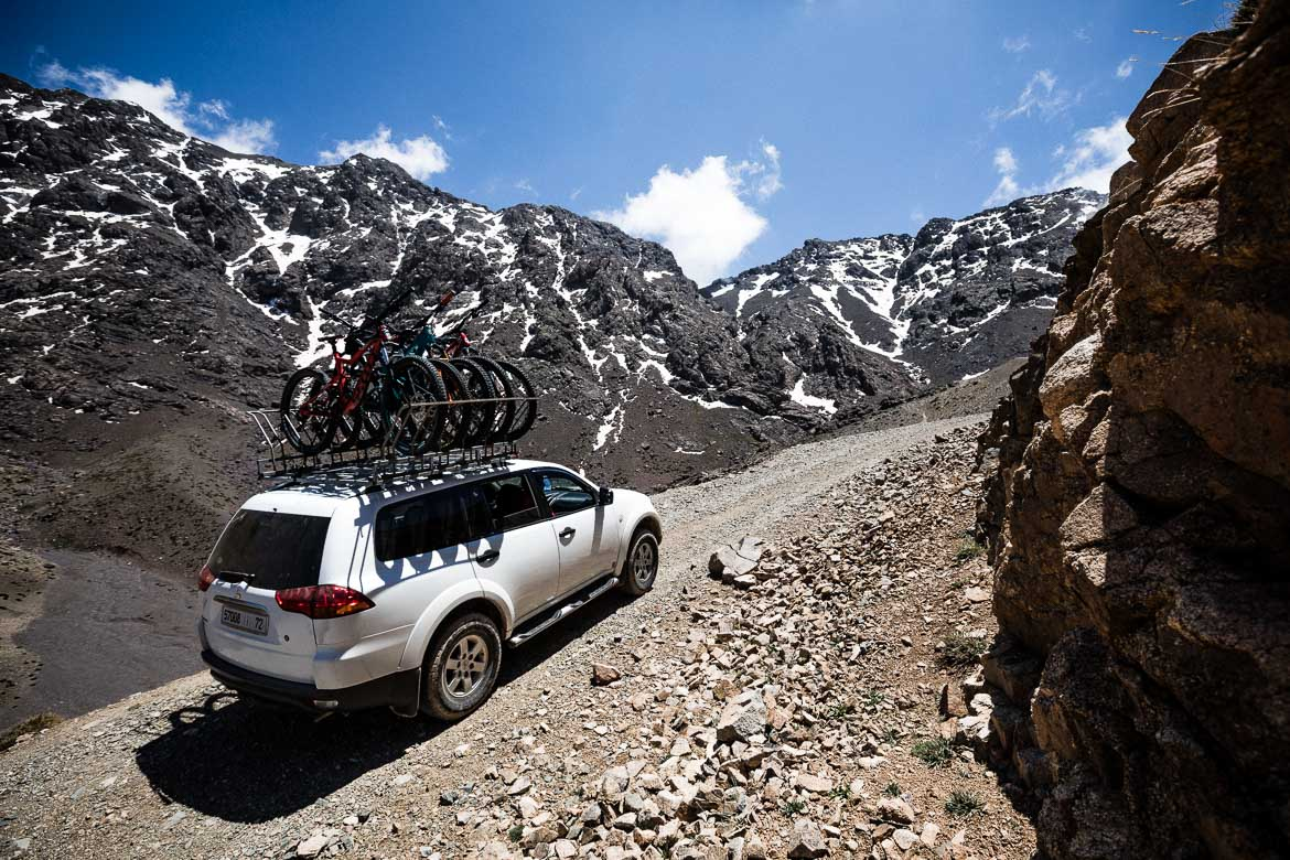 Mountain bike tour Morocco in photos - transferring up the mountain