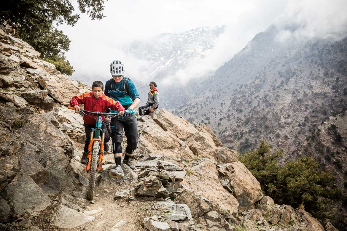 Mountain bike tour Morocco in photos - local interactions