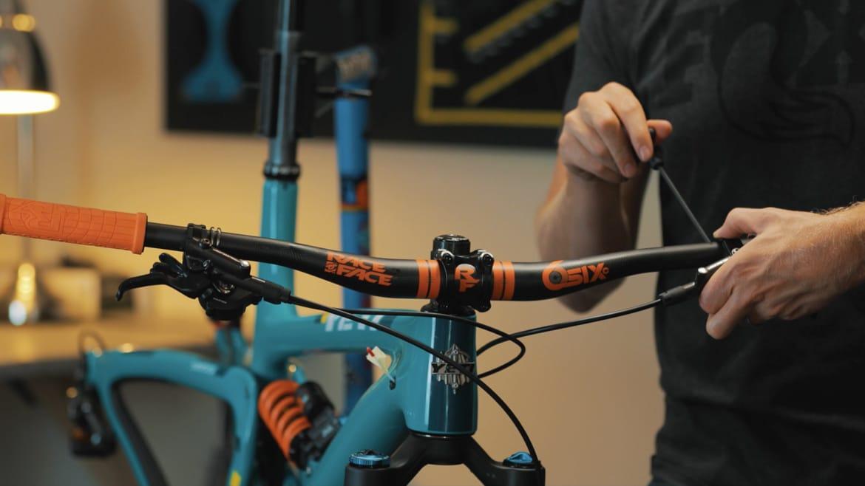Ultimate Yeti SB5.5 mountain bike - building the cockpit