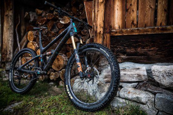 Yeti tribe gathering Switzerland - mountain bike