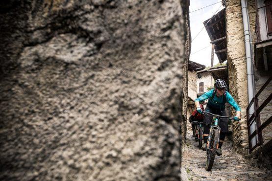 Yeti tribe gathering Switzerland - street riding