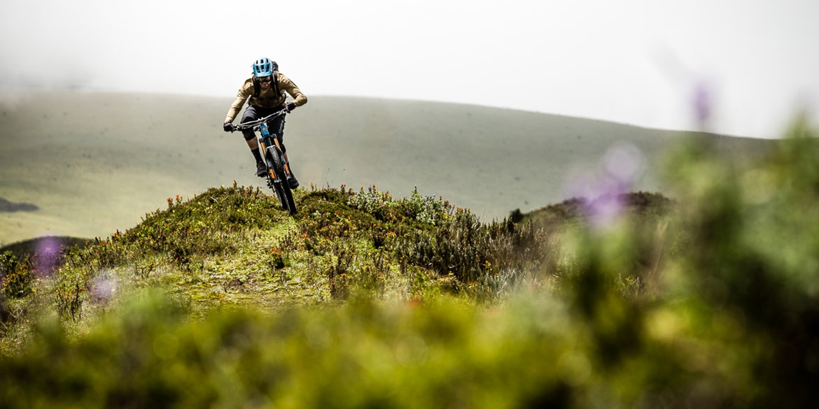 Mountain Bike Tours - Thomas Vanderham rides high in Cotopaxi, Ecuador