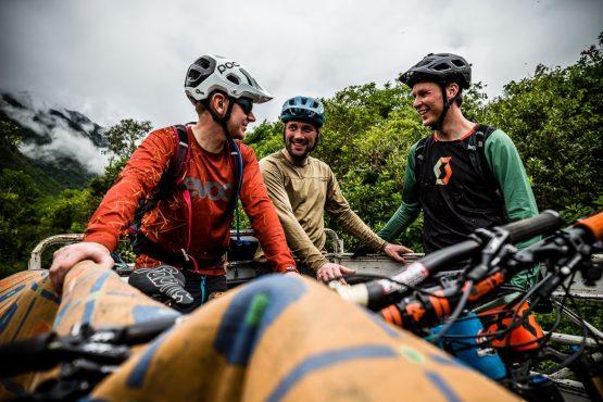 Shuttle service on our mountain bike tour Ecuador
