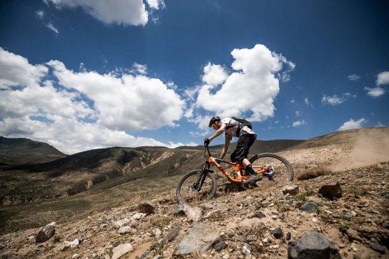 Rocky and dusty trails MTB tour Ecuador