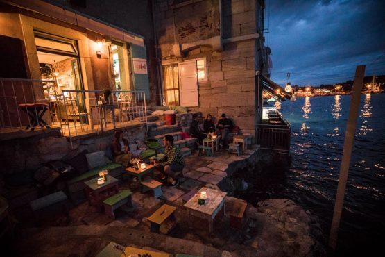 E-MTB tour of Croatia evening relaxation