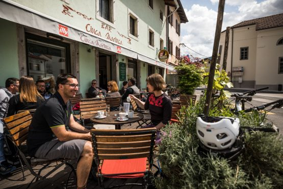E-MTB tour of Slovenia relaxing with coffee